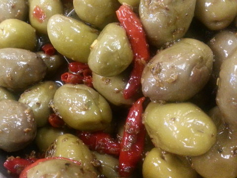 Green Olives with Oregano & Hot Peppers